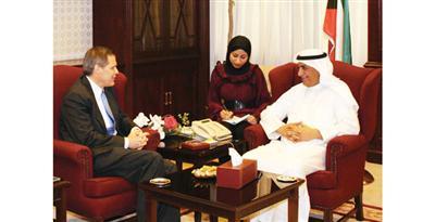 وزير الإسكان بحث العلاقات مع السفير الأمريكي
