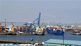 الموانىء: حركة الملاحة البحرية في الموانىء تتوقف جراء الغبار وستعود مع تحسن
