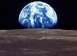 أتراك يشترون أراضي على القمر!