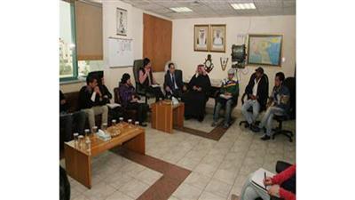 طلبة «الصحافة» بجامعة البتراء زاروا مكتب «كونا» في عمان