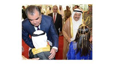 استقبال بالورود لسمو الامير ورئيس طاجيكستان