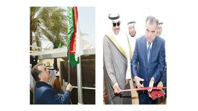 رئيس طاجيكستان والشيخ صباح الخالد أثناء قص شريط الافتتاح - الرئيس الطاجيكي يرفع علم بلاده فوق السفارة
