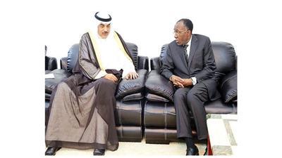 الشيخ صباح الخالد خلال استقباله وزير خارجية الكونغو