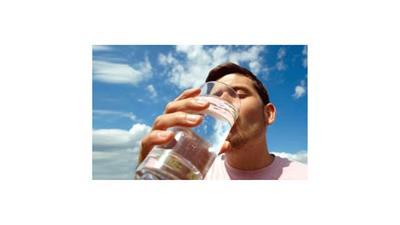 «فتوى إيرانية»: من لا يتحمل العطش يروي عطشه وصيامه صحيح