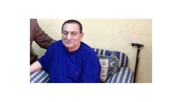مصر.. الديب: مبارك يتماثل للشفاء ووفاته شائعة