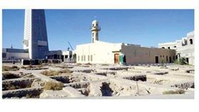 مسجد البحارنة وسط منازل السور الثاني