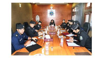 اللواء المهنا يترأس اجتماع لجنة تنظيم فعاليات أسبوع المرور الـ31