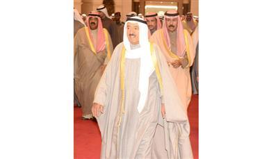 سمو امير البلاد يعود الى ارض الوطن بعد زيارة اخوية للسعودية