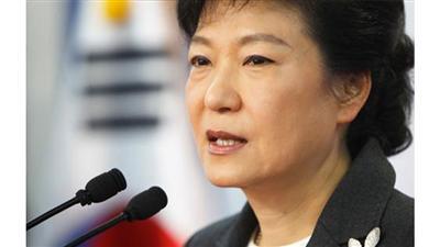 رئيسة كوريا الجنوبية تعقد اجتماع قمة مع الأمير أول مارس
