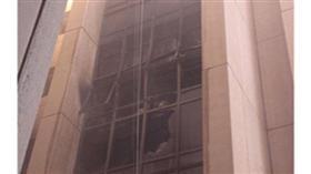 مهملات تحرق «منور» عمارة في السالمية