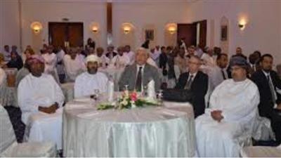 الكويت استعرضت نظام المكتبة الرقمية ب «الخدمة المدنية» في مسقط