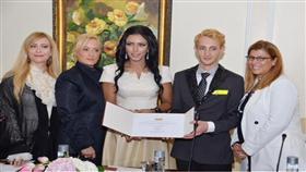 الصباح: رئيسا فخريا وممثلا رسميا لمجلس الأزياء العربي في الكويت