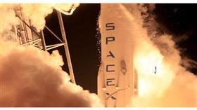 «سبيس إكس»... تحاول إنزال صاروخ على منصة عائمة في المحيط الهادئ