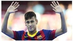 نيمار يطعن برشلونة ويجتمع بوكلاء «الغريم»