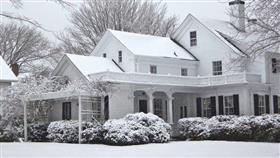 نيويورك تعلن حالة الطوارئ بسبب العاصفة الثلجية