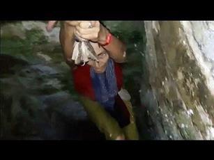 «سيلفي» كلفها السقوط في البئر