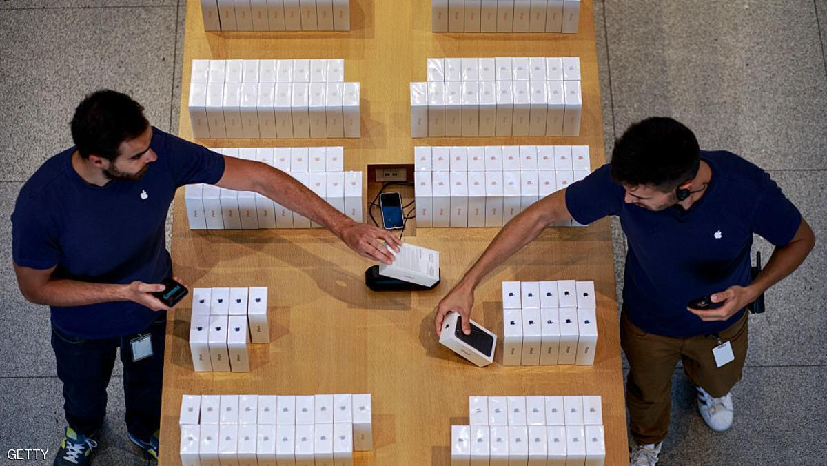 رغم تدهور سامسونغ هبوط غير مسبوق في مبيعات آيفون