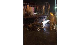 مصرع شخصين اصطدمت مركبتهما في تريلة على طريق الملك فهد