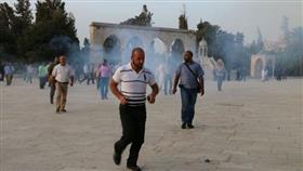 «الهلال الاحمر الفلسطيني»: إصابة واعتقال عشرات المصلين المعتكفين في المسجد الأقصى