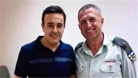 الفنان «صابر الرباعي» يكشف ملابسات صورته مع الضابط الإسرائيلي