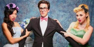 دراسة: المرأة تنجذب للرجال المرتبطين بنساء جميلات