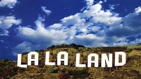 6 جوائز من مهرجان «الكرة الذهبية» يحصدها فيلم «لا لا لاند»