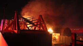 «الإطفاء» أخمدت حريق مخزن خارج أسوار مدينة صباح السالم الجامعية