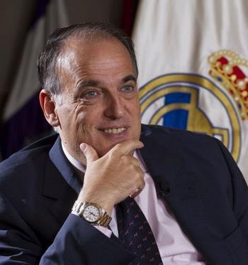 تيباس رئيس «الليغا» منتقدا مقاطعة برشلونة لحفل الفيفا: زيورخ ليست نيويورك لكي يبذلوا جهدا كبيرا