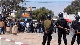 الأمن التونسي يفض احتجاجات في بن قردان