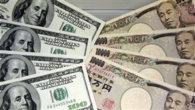 الدولار يهبط لأدني مستوى في أكثر من شهر مقابل الين