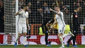 ريال مدريد يقلب الطاولة على نابولي بثلاثية تقربه من التأهل بدوري الأبطال