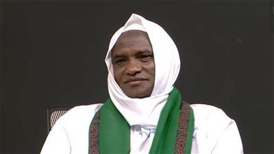 الشيخ الصامت يعبر عن نفسه بالكتابة