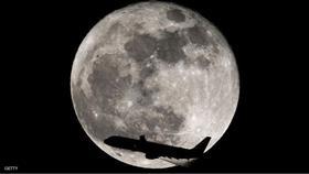 شركة «سبيس إكس» تخطط لإرسال سياح حول القمر العام القادم
