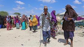نساء صوماليات يُحيين يومهن العالمي بإغاثة متضرري المجاعة