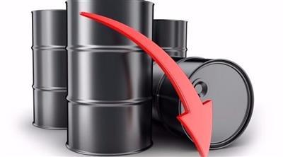 النفط يهبط إلى أدني مستوى في 3 أشهر بسبب ارتفاع المخزونات