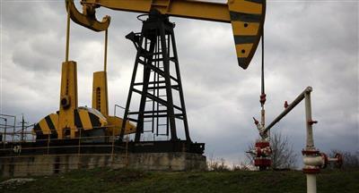 أسعار النفط تقفز مع هبوط مخزونات الخام الأمريكي