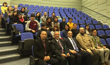 جانب من محاضرة الجامعة الصينية في هونغ كونغ لاستعراض دور البلاد في العمل الإنساني على المستوى العالمي