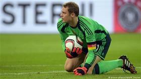 مانويل نوير ينسحب من المنتخب الألماني بسبب الإصابة