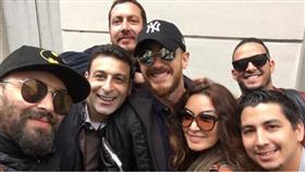 سعد لمجرد مع أصدقائه