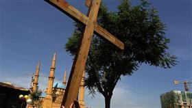 فتوى في لبنان حول الصلاة المشتركة بين أتباع الأديان.. تثير جدلاً واسعاً
