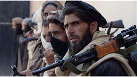 حركة طالبان  تشن هجوما بسيارة مفخخة على قاعدة تابعة للجيش الافغاني
