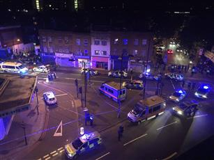 بالفيديو - حادثة دهس جديدة لمصلين خارجين من صلاة التراويح في لندن