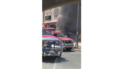 بالصور - رجال الإطفاء يكافحون حريقاً اندلع في «جابر الأحمد»