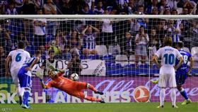 ريال مدريد يستهل مشواره في الدوري الإسباني بثلاثية في شباك ديبورتيفو