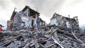 دمار ومقتل امرأة في زلزال شديد ضرب جزيرة إيطالية