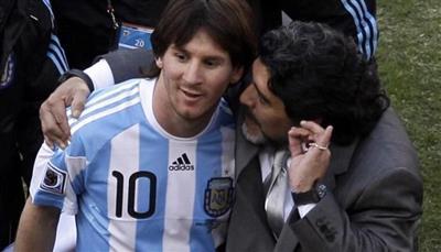 مارادونا: في الارجنتين يلقون الخطأ على ميسي حتى عندما يخسر منتخب فئة تحت 15 عاما
