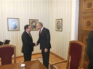 تونس: الأمير يقرب بين الأشقاء.. بمواقفه النبيلة