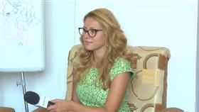 الصحفية البلغارية فيكتوريا مارينوفا