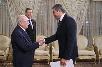 رسالة خطية من سمو الأمير للرئيس التونسي