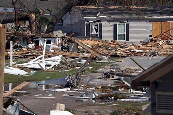 تضرر المنازل والطرقات العامة بولاية فلوريدا الأمريكية بسبب إعصار مايكل